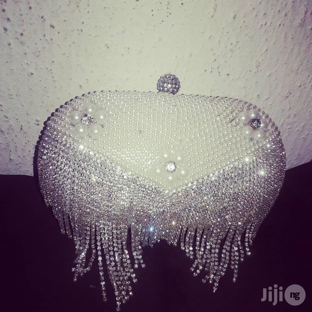 Diamante×Rhinetonexpearls Offwhite Clutch/ Evening Purse | Bags for sale in Alimosho, Lagos State, Nigeria