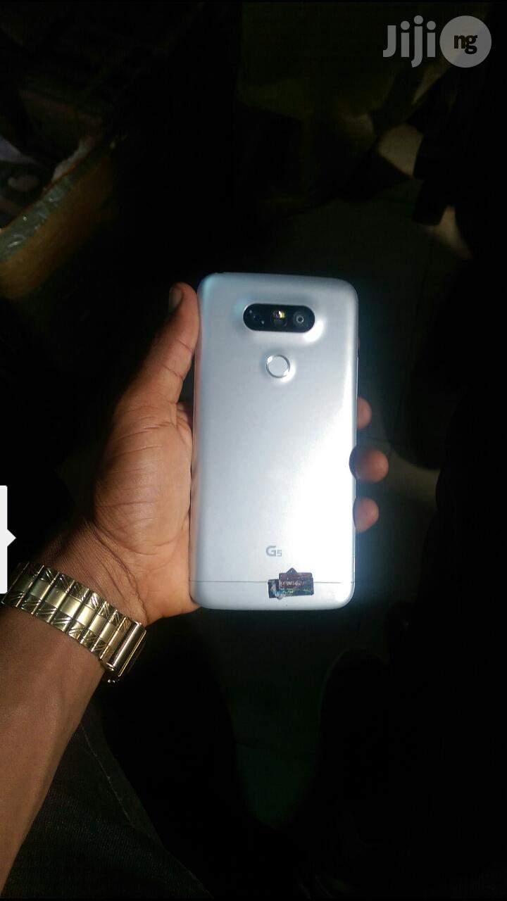 Archive: Clean New LG G5 32 GB