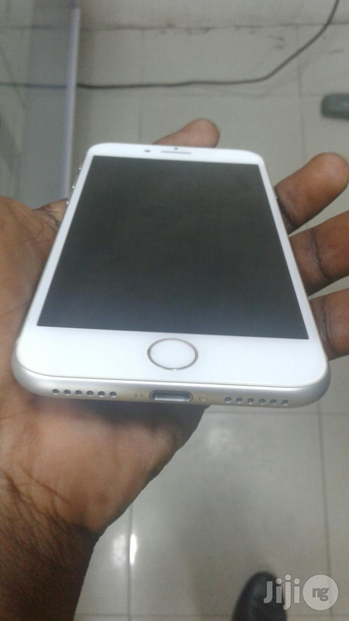 Apple iPhone 8 64 GB White