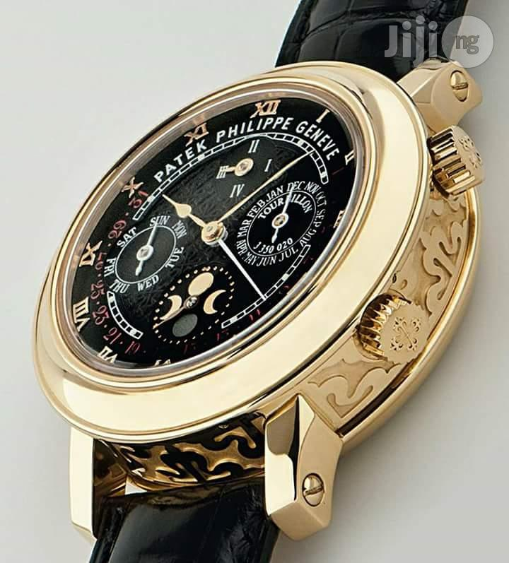 Patek Philipp Geneve Leather Wrist Watch