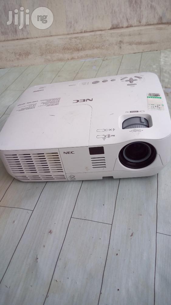 V260X Nec Projector