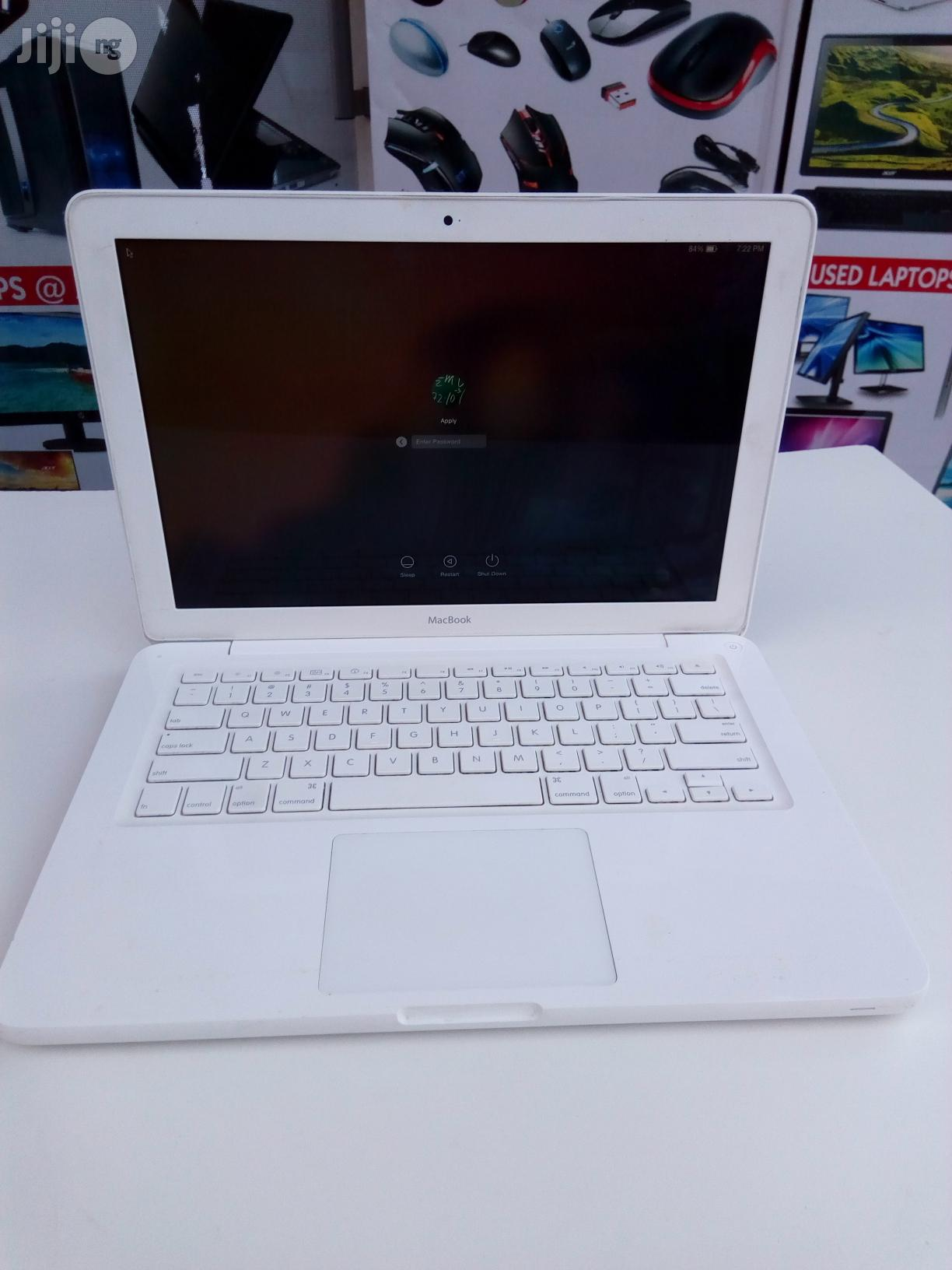 Laptop Apple MacBook 4GB Intel Core 2 Duo HDD 250GB | Laptops & Computers for sale in Oshodi, Lagos State, Nigeria