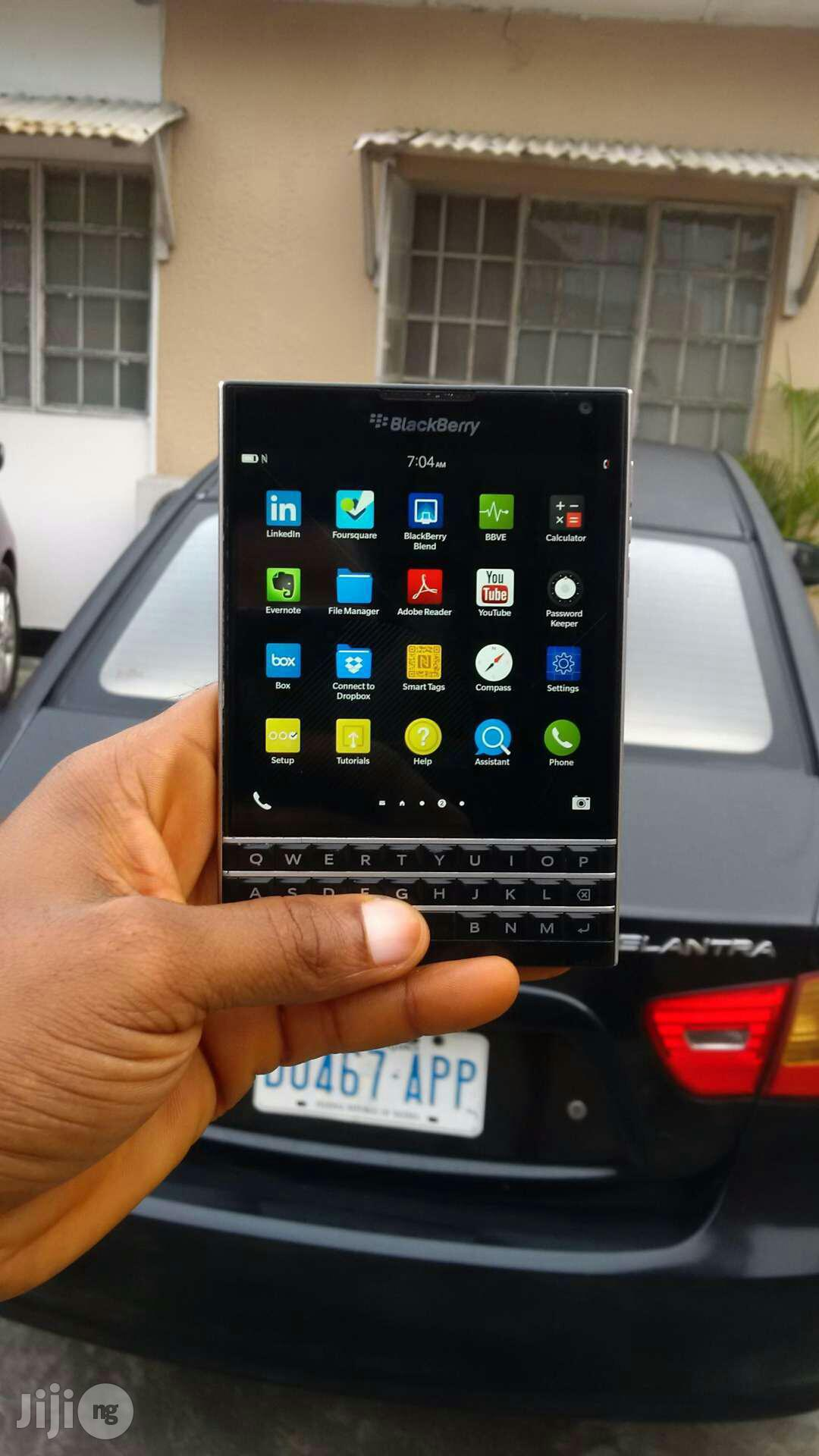 BlackBerry Passport 32 GB Black | Mobile Phones for sale in Port-Harcourt, Rivers State, Nigeria