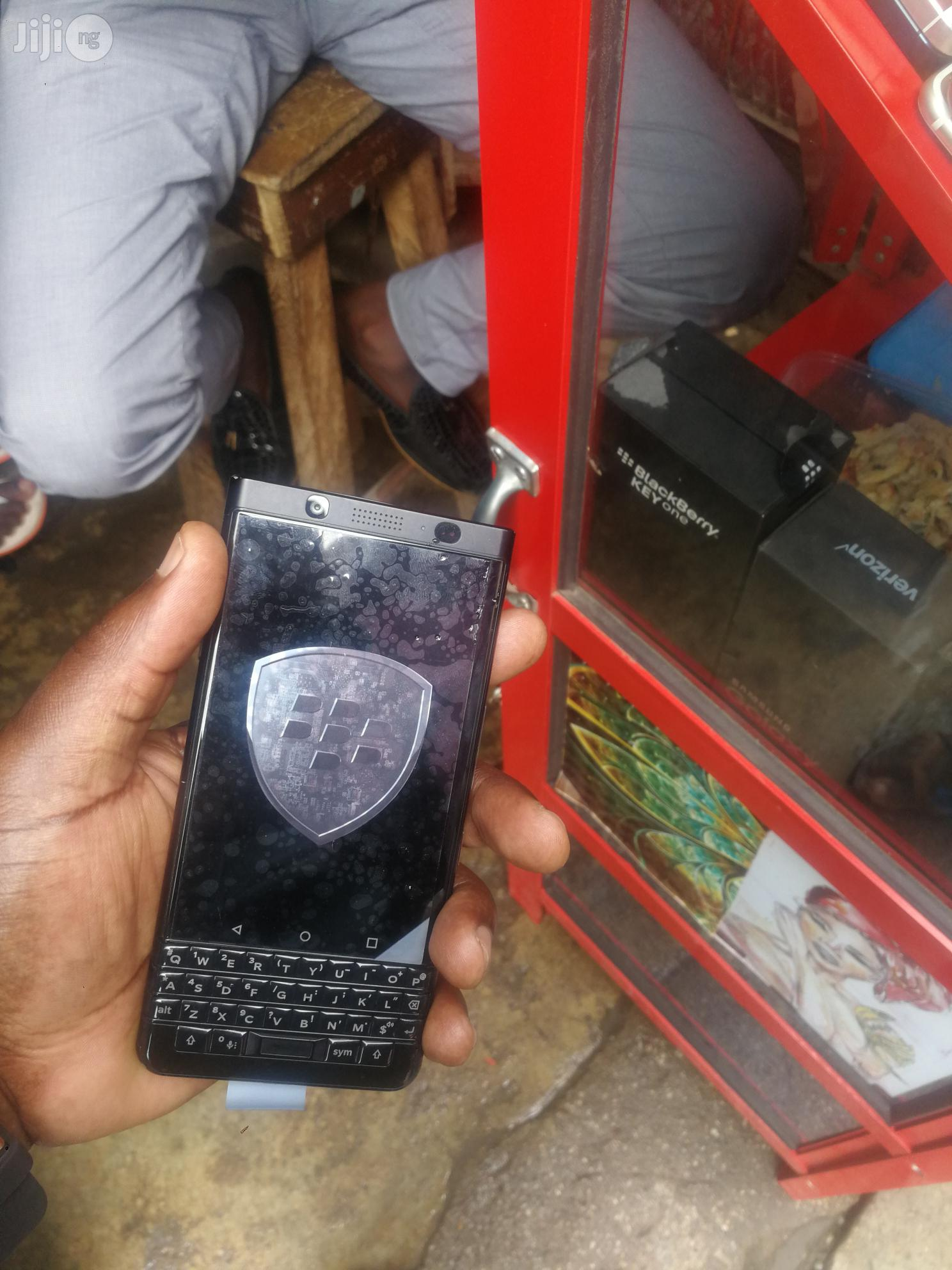 Archive: Uk Used Blackberry Keyone Black 64 GB