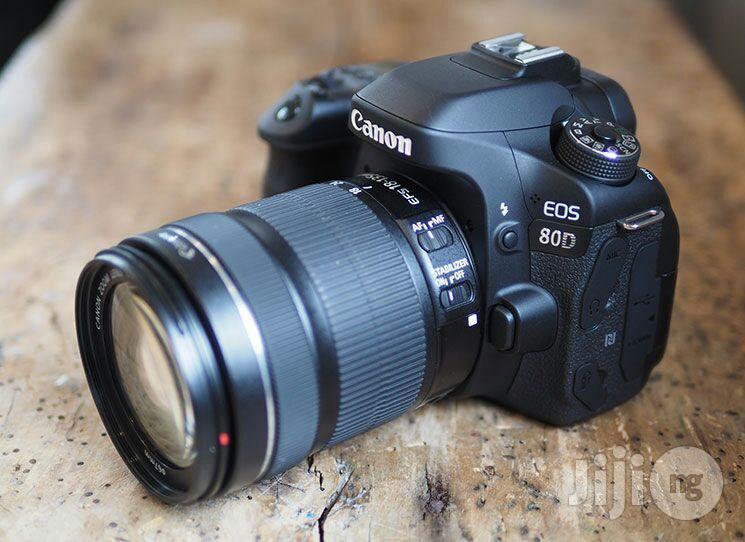EOS 80D CANON Camera 18-135 Lens
