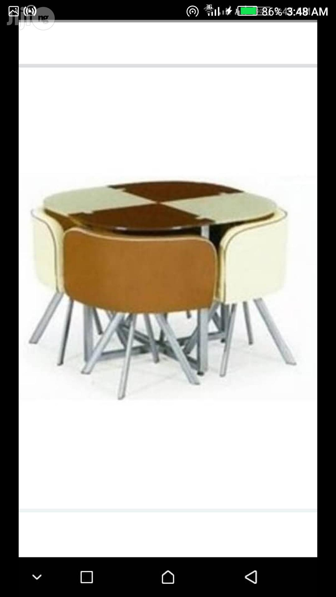 Super Quality Dinning Table With 4 Chairs