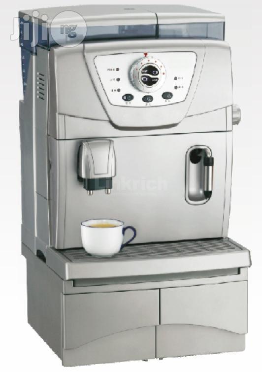 Fully-automatic Coffee Machine