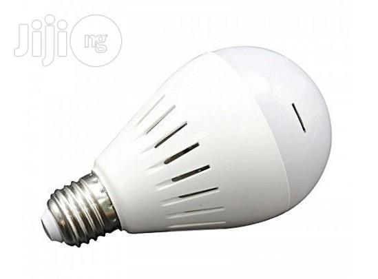 Universal Led Wifi Bulb IP Camera With Night Vision & Smartphone