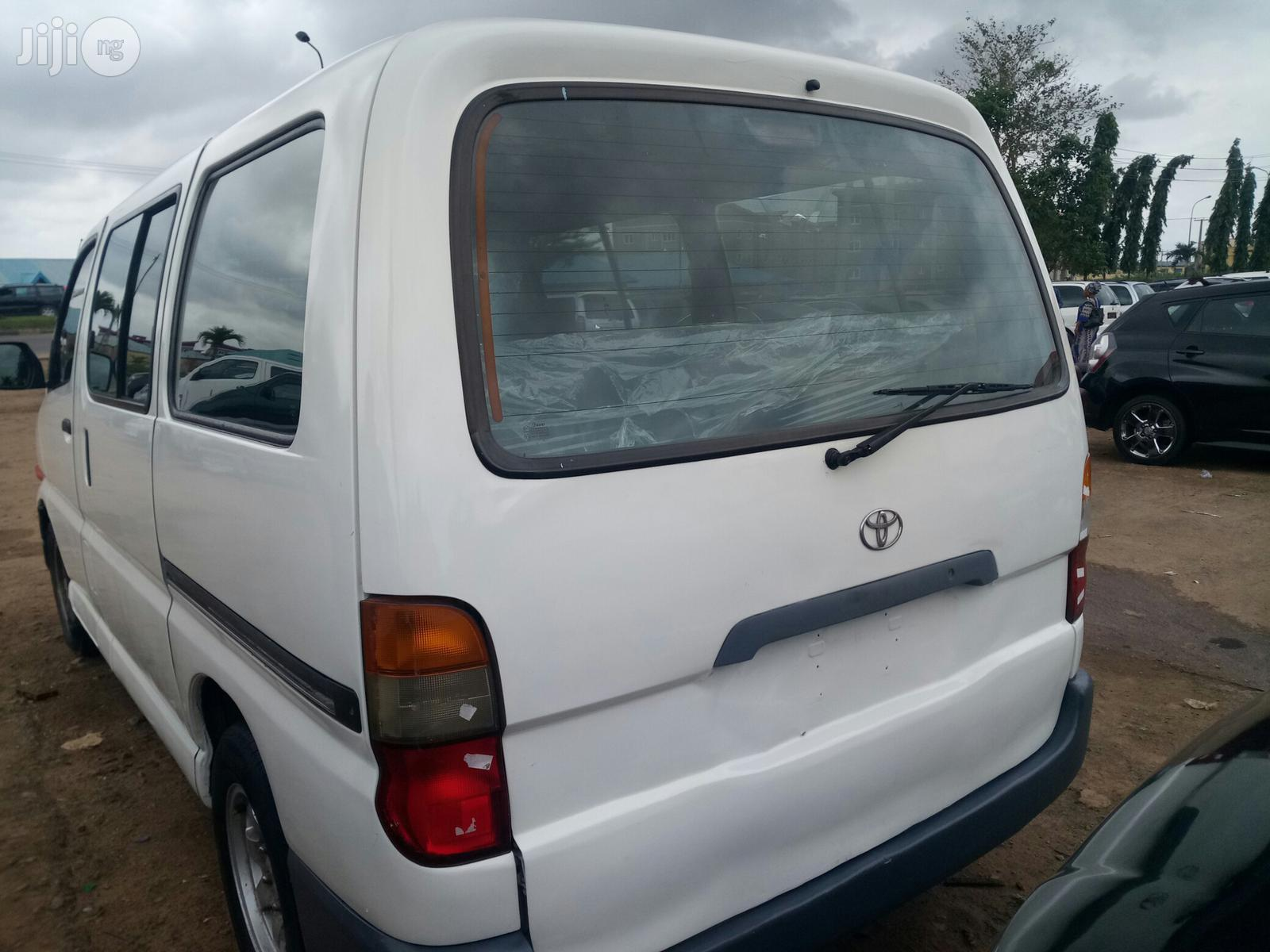 Tokunbo Toyota Hiace Bus 2003   Buses & Microbuses for sale in Ikotun/Igando, Lagos State, Nigeria