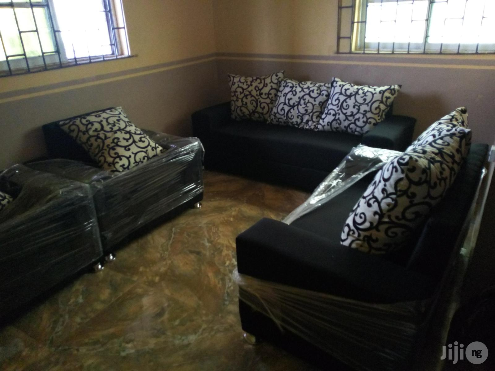 Complete Set of Sofa for Sale | Furniture for sale in Surulere, Lagos State, Nigeria