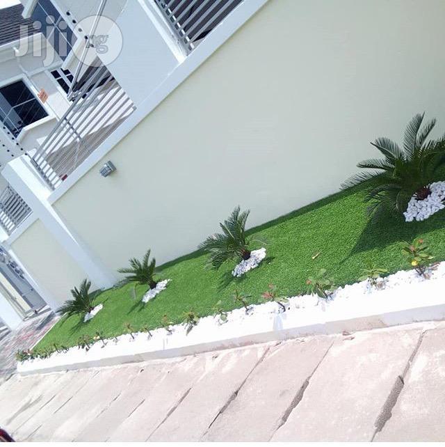 New High Quality & Soft Garden Artificial Grass.