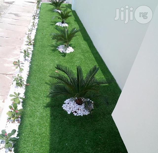New High Quality & Soft Garden Artificial Grass. | Garden for sale in Maryland, Lagos State, Nigeria