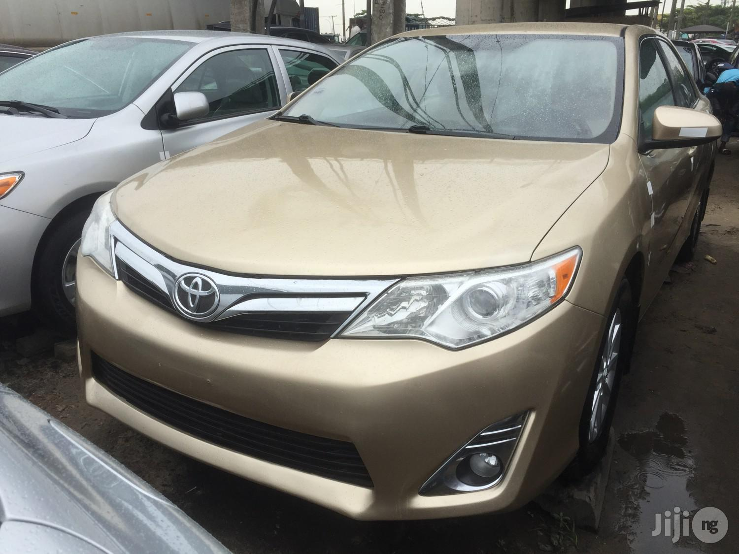 Toyota Camry 2013 Gold