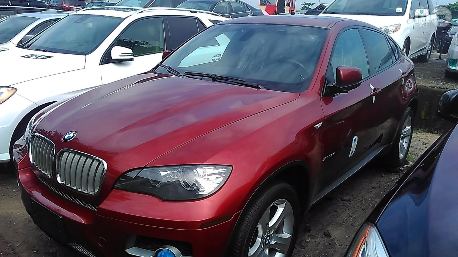 Archive: BMW X6 2013 Red