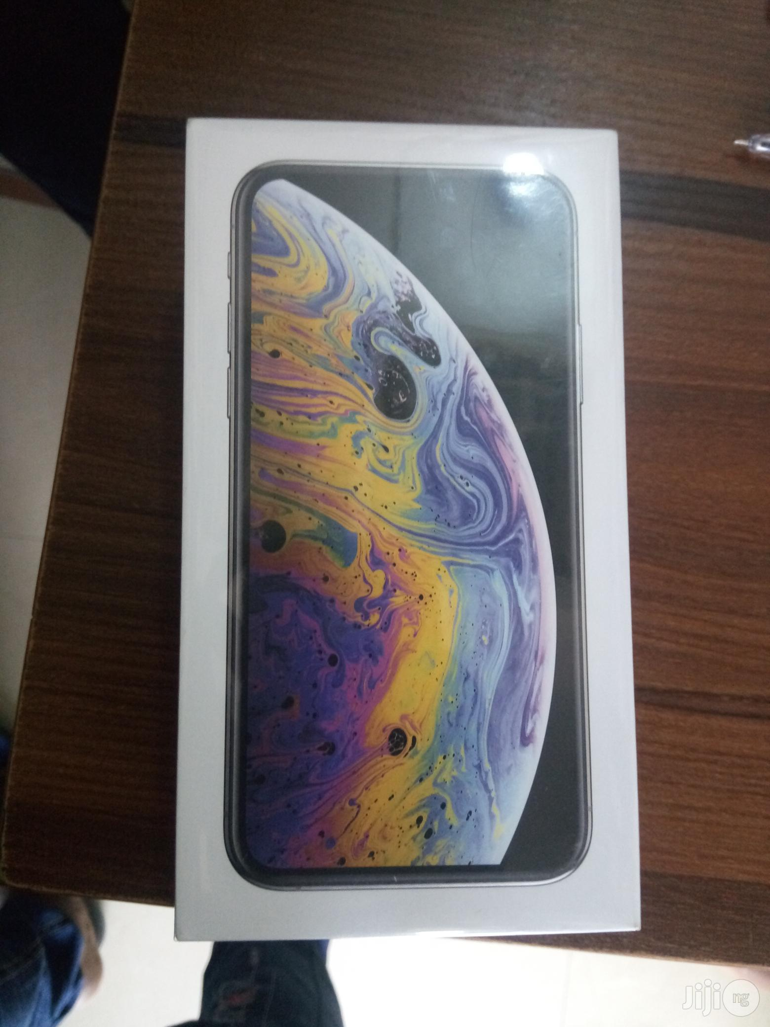 New Apple iPhone XS 64 GB Gold