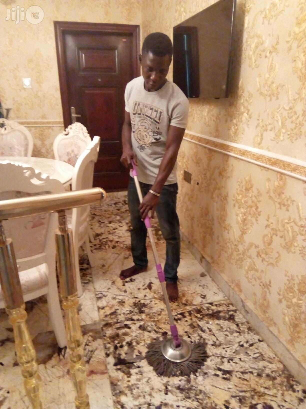 Seeking For Housekeeping/Cleaning Job | Housekeeping & Cleaning CVs for sale in Magodo, Lagos State, Nigeria