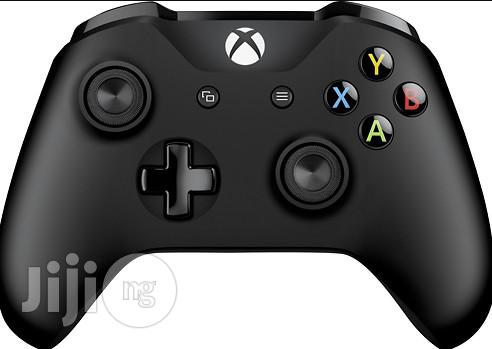 Microsoft Xbox One Wireless Controller | Accessories & Supplies for Electronics for sale in Ikeja, Lagos State, Nigeria