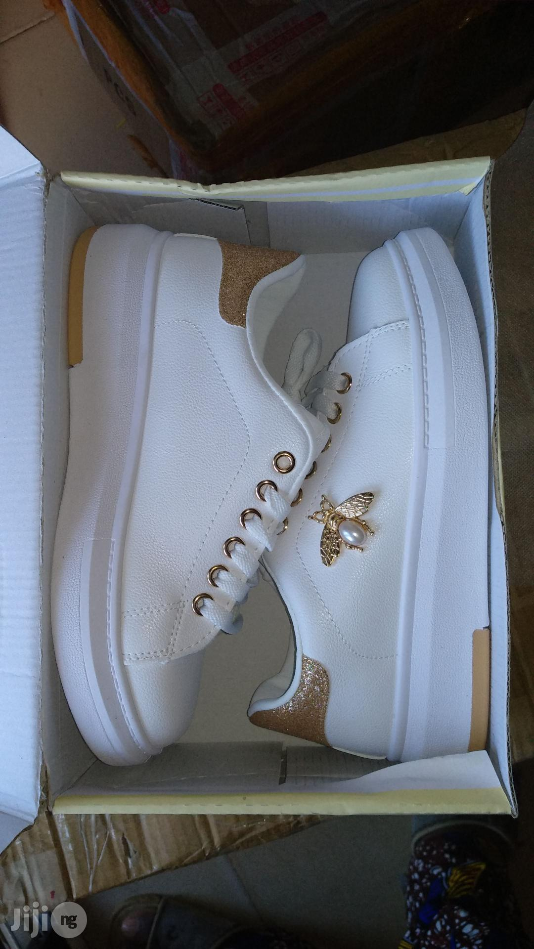 Beautiful Sneakers/Canvas Student Butterfly Lace White Shoe | Shoes for sale in Ikorodu, Lagos State, Nigeria