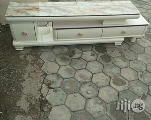 Tv Stand.   Furniture for sale in Abuja (FCT) State, Wuse