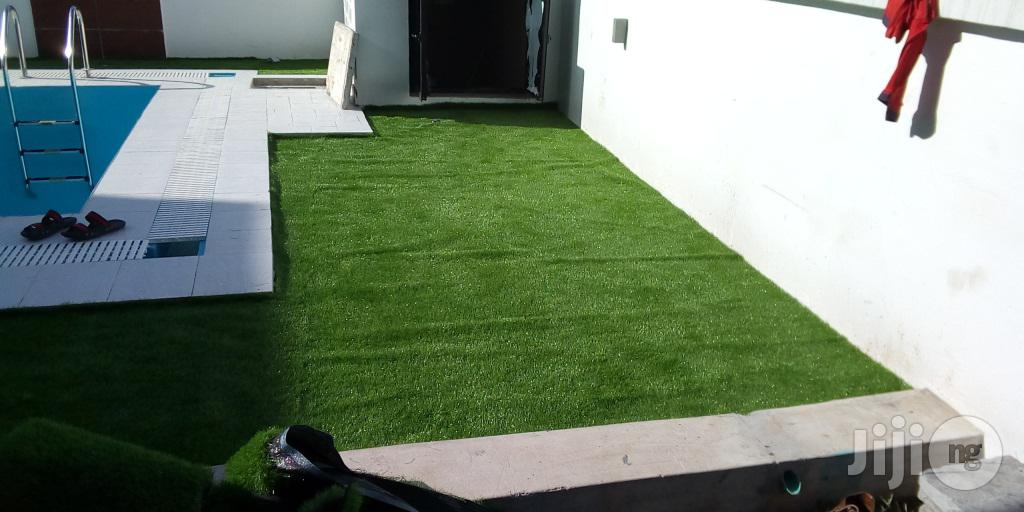 Purchase And Install Your Turf Grass For Swimming Pool