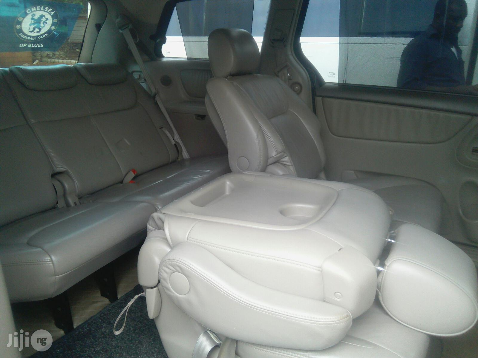 Toyota Sienna For Hire | Chauffeur & Airport transfer Services for sale in Agege, Lagos State, Nigeria