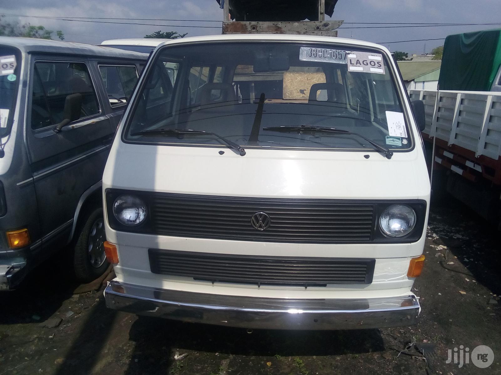 Volkswagen Transporter 1996 White