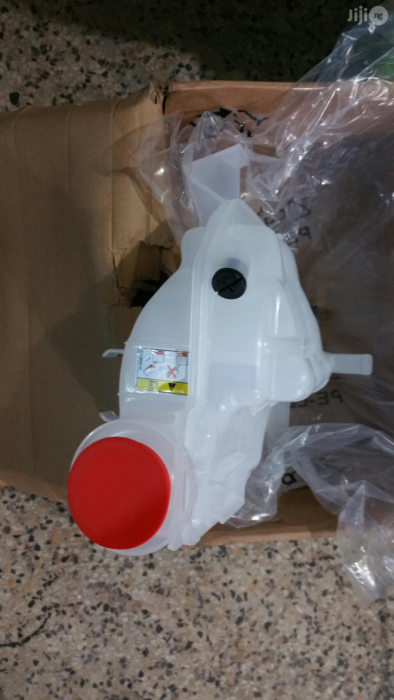 Water Reservoir Can Range Rover Sport 06-09 And Lr3 | Vehicle Parts & Accessories for sale in Mushin, Lagos State, Nigeria