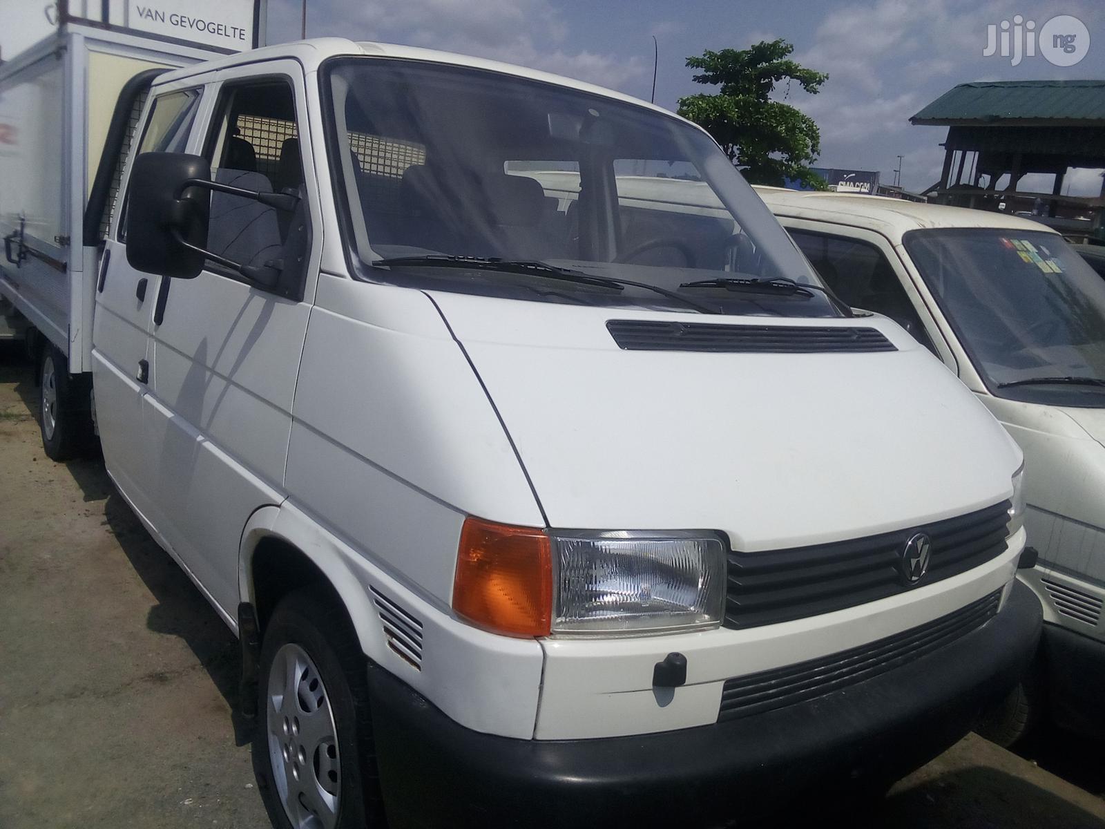 Volkswagen Transporter 1999 White