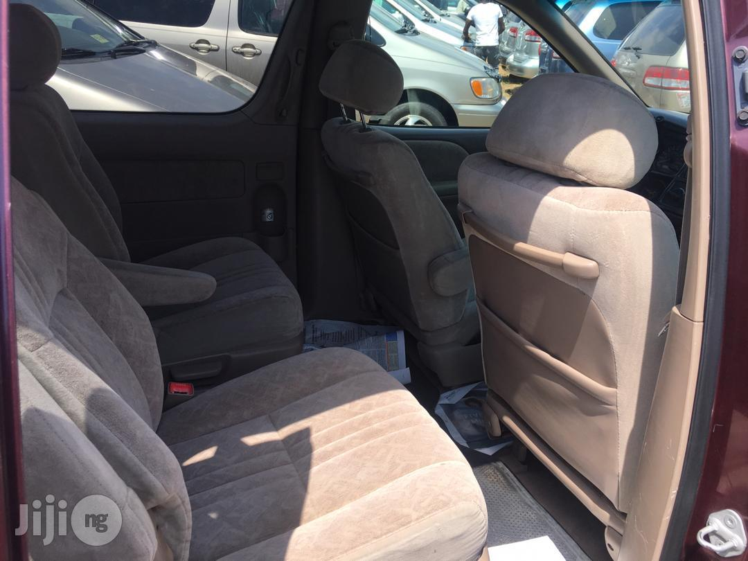 Toyota Sienna 2000 Red   Cars for sale in Apapa, Lagos State, Nigeria
