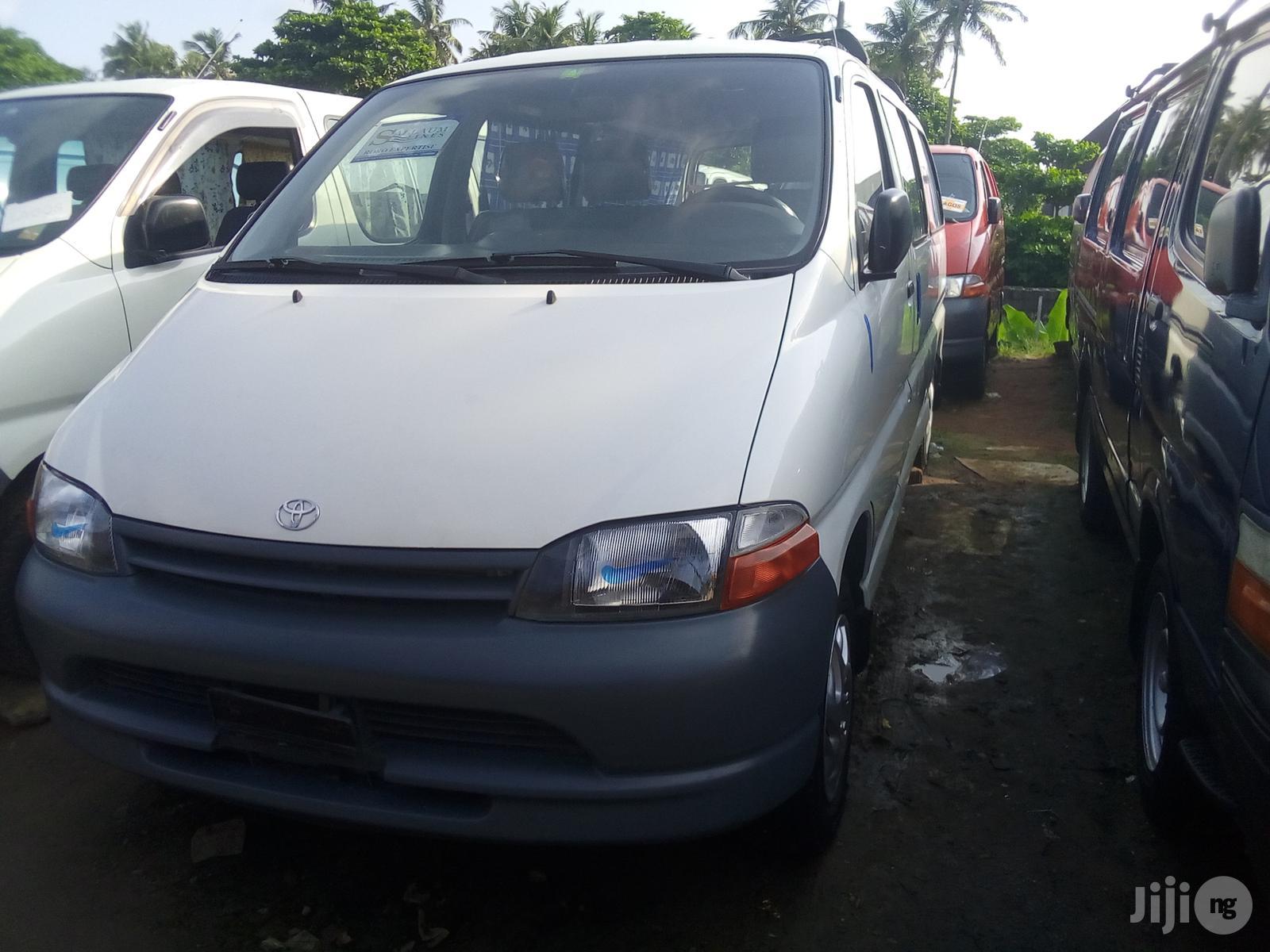 Toyota Hiace 1997 White