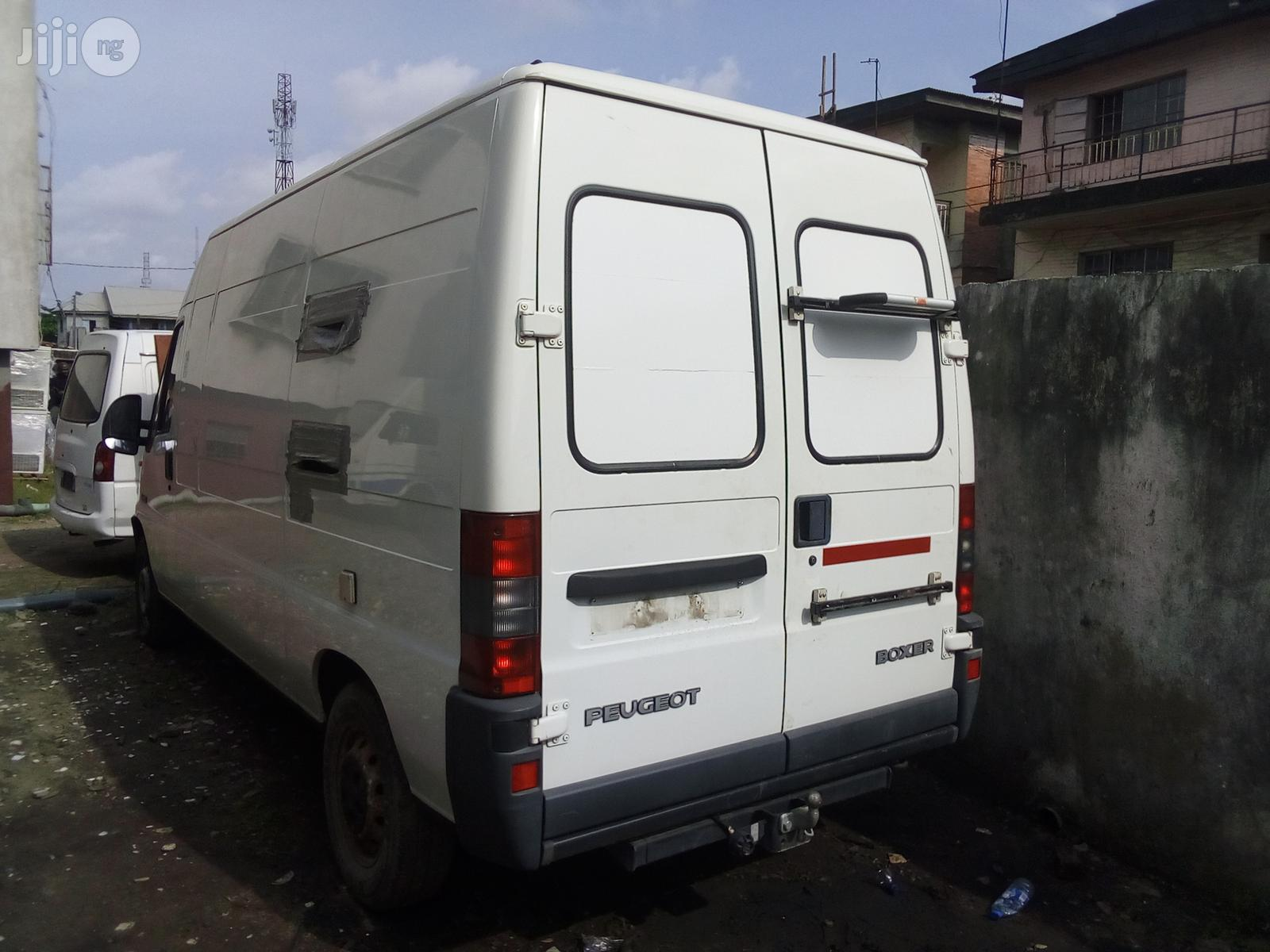 Peugeot Boxer 2000 White | Buses & Microbuses for sale in Apapa, Lagos State, Nigeria