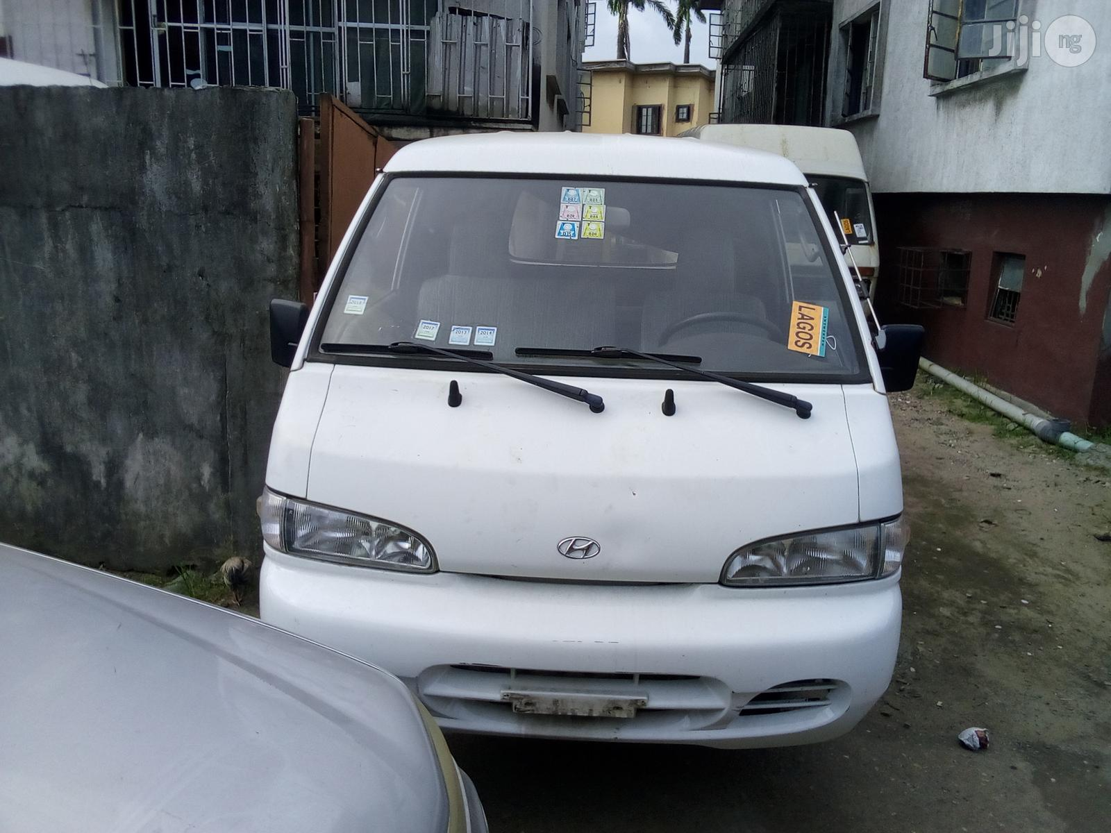 Hyundai 1999 White