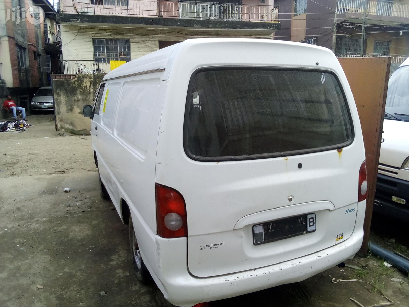 Hyundai 1999 White | Buses & Microbuses for sale in Apapa, Lagos State, Nigeria