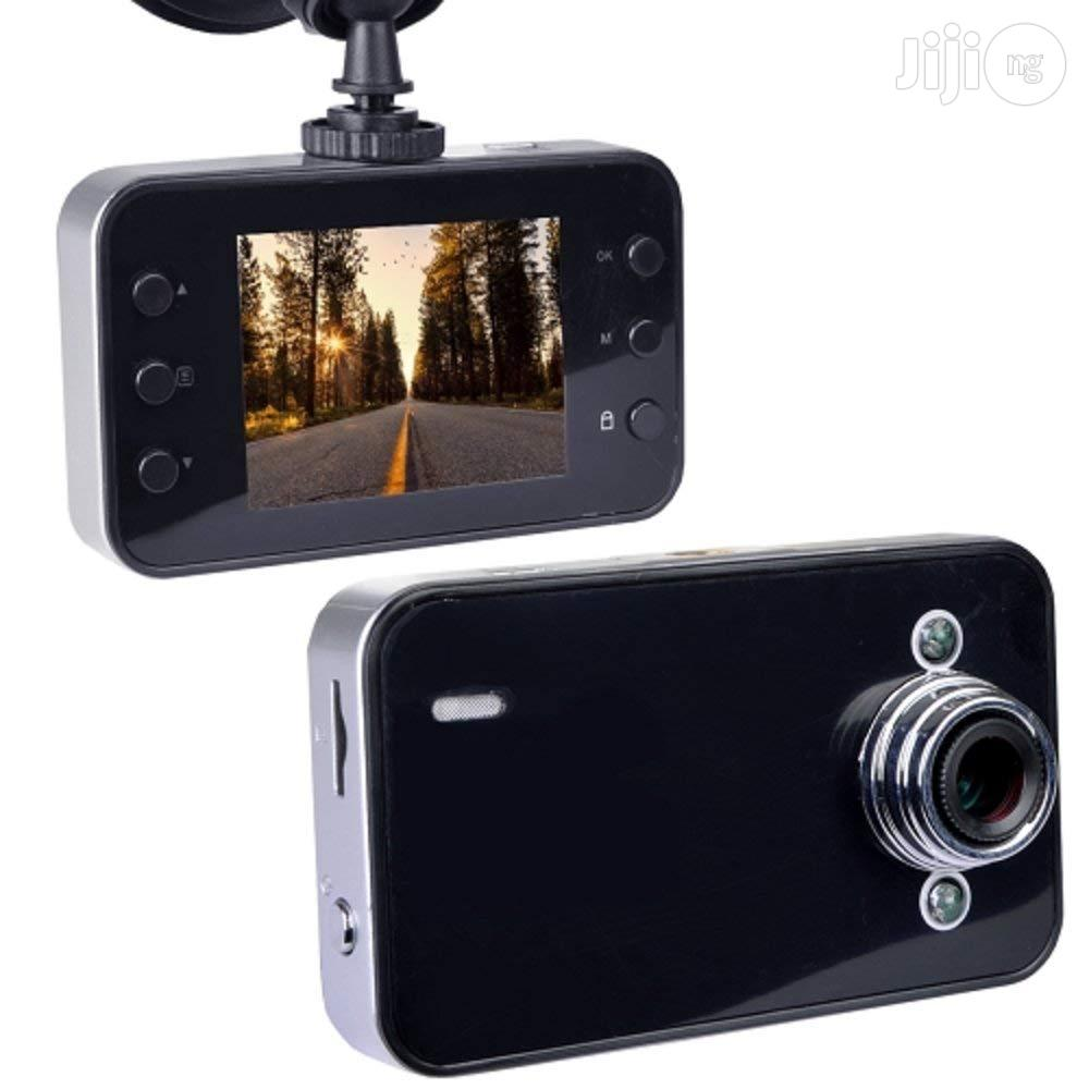 Automotive 720p HD Dashcam LCD Screen & Windshield Mounting