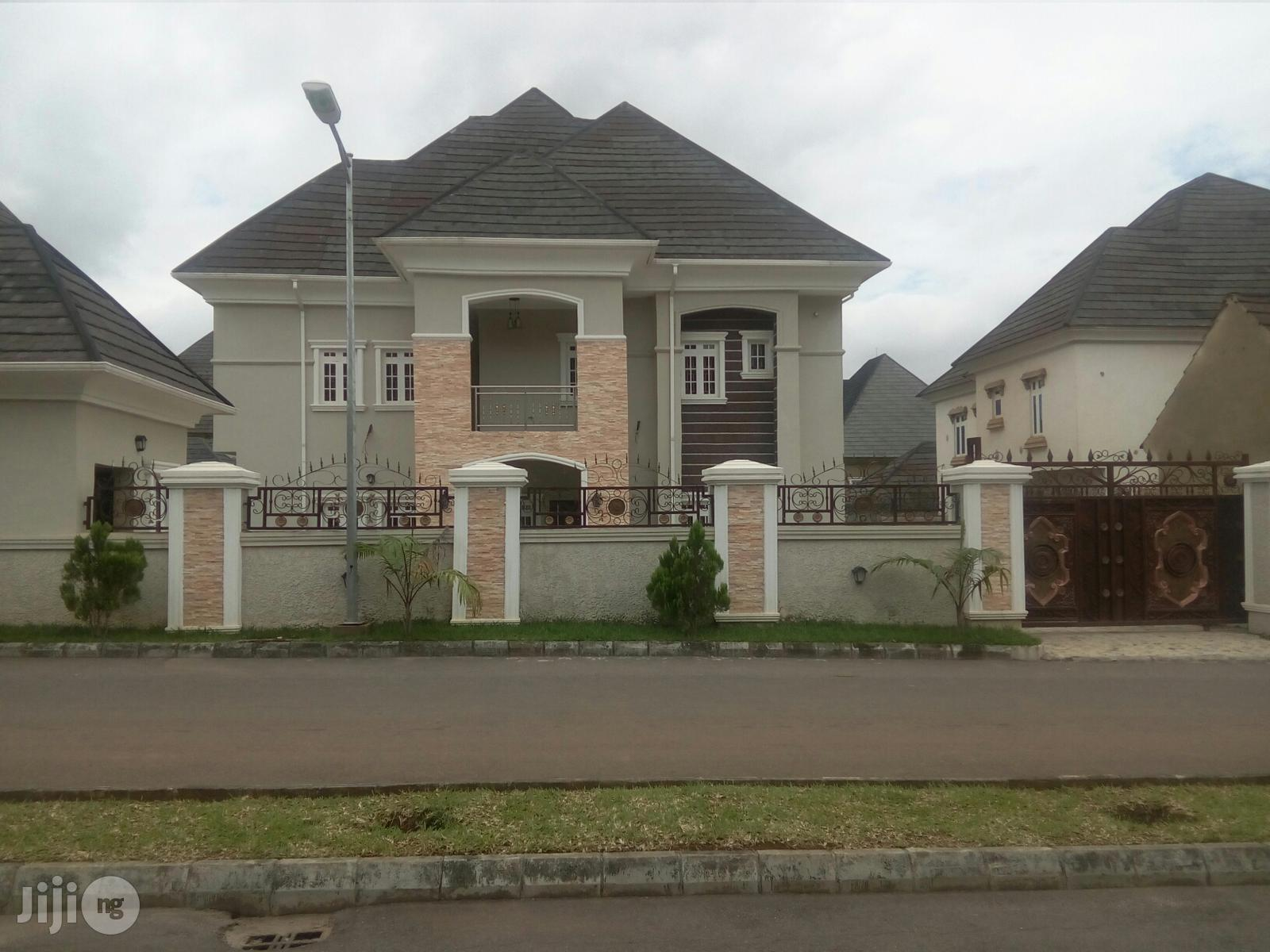 Fully Detached 5bedrooms Duplex With 2rooms BQ For Quick Sale