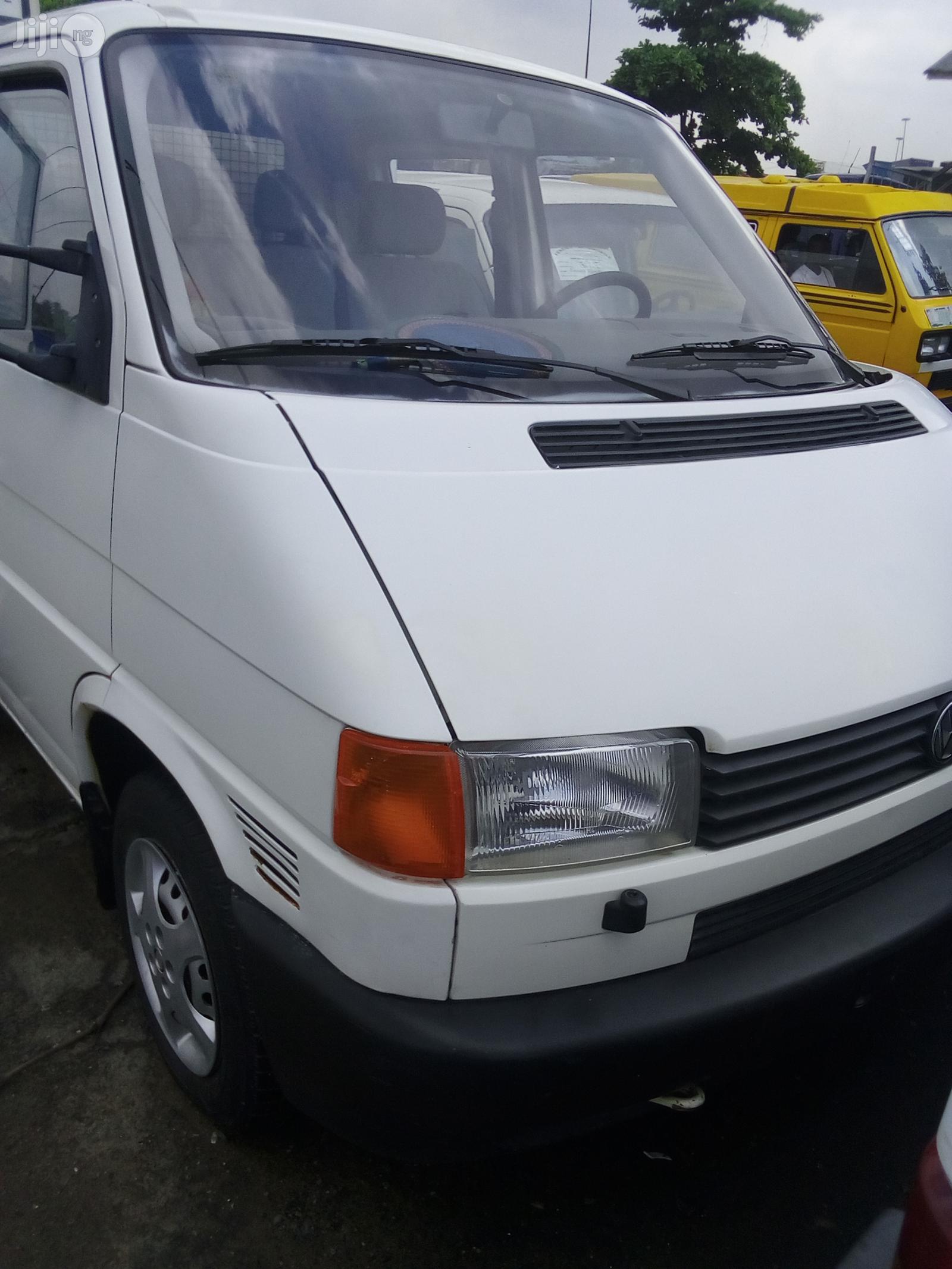 Volkswagen Pickup 1999 White