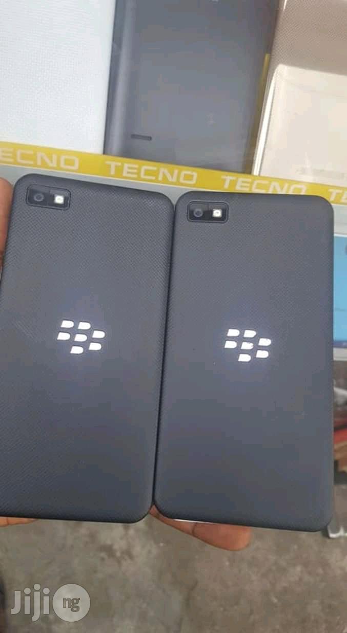 BlackBerry Z10 16 GB Black