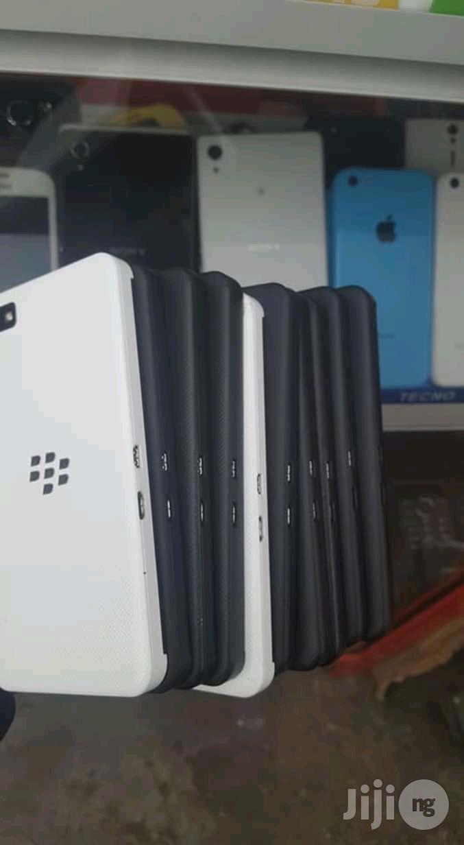 BlackBerry Z10 16 GB Black | Mobile Phones for sale in Ikeja, Lagos State, Nigeria