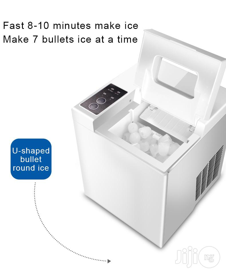 Mini Automatic Electric Ice Maker Bullet Round Block