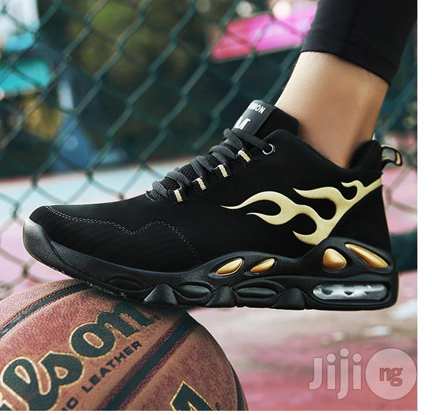 Classic Men Sneakers Casual Breathable Running Sports Shoes