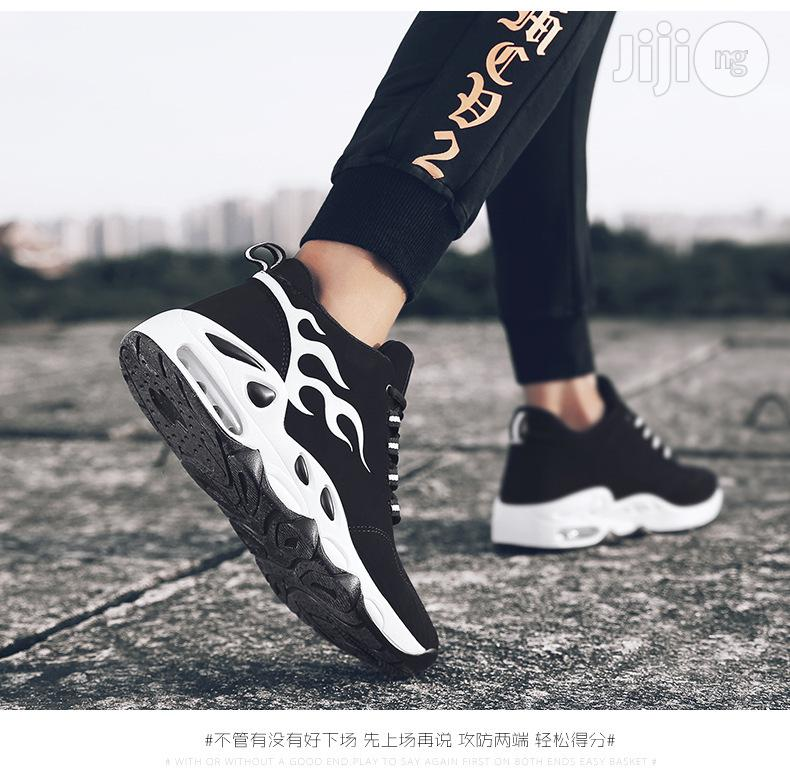 Classic Men Sneakers Casual Breathable Running Sports Shoe -Premium