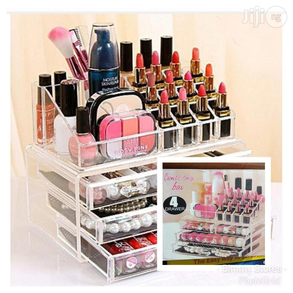 Archive: Cosmetic Storage Box