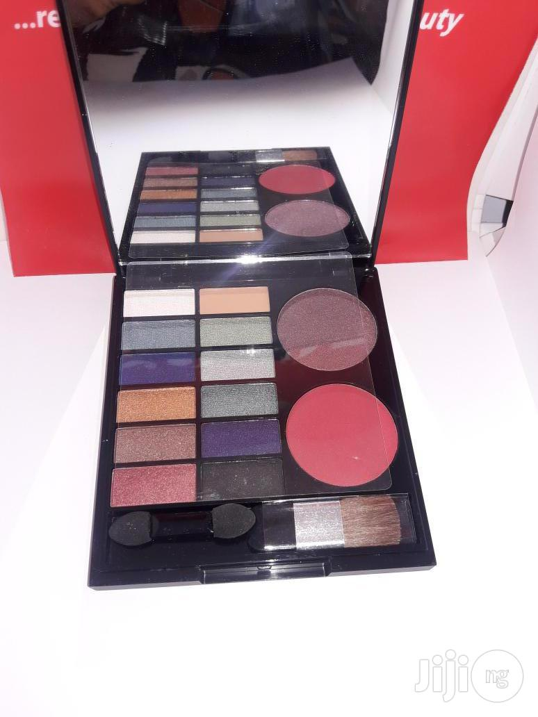 Zaron Eyeshadow Palette And Duo Blush - Fire Kraker | Makeup for sale in Alimosho, Lagos State, Nigeria