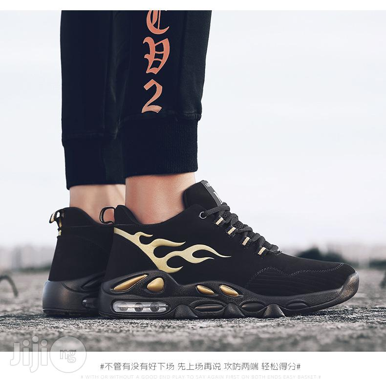 Fashion Classic Men Sneakers Casual Breathable Running Sports Shoes | Shoes for sale in Agege, Lagos State, Nigeria