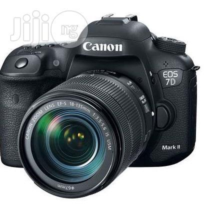 Brand New Canon EOS 7D Mark II DSLR Camera Ith 18-135mm Lens