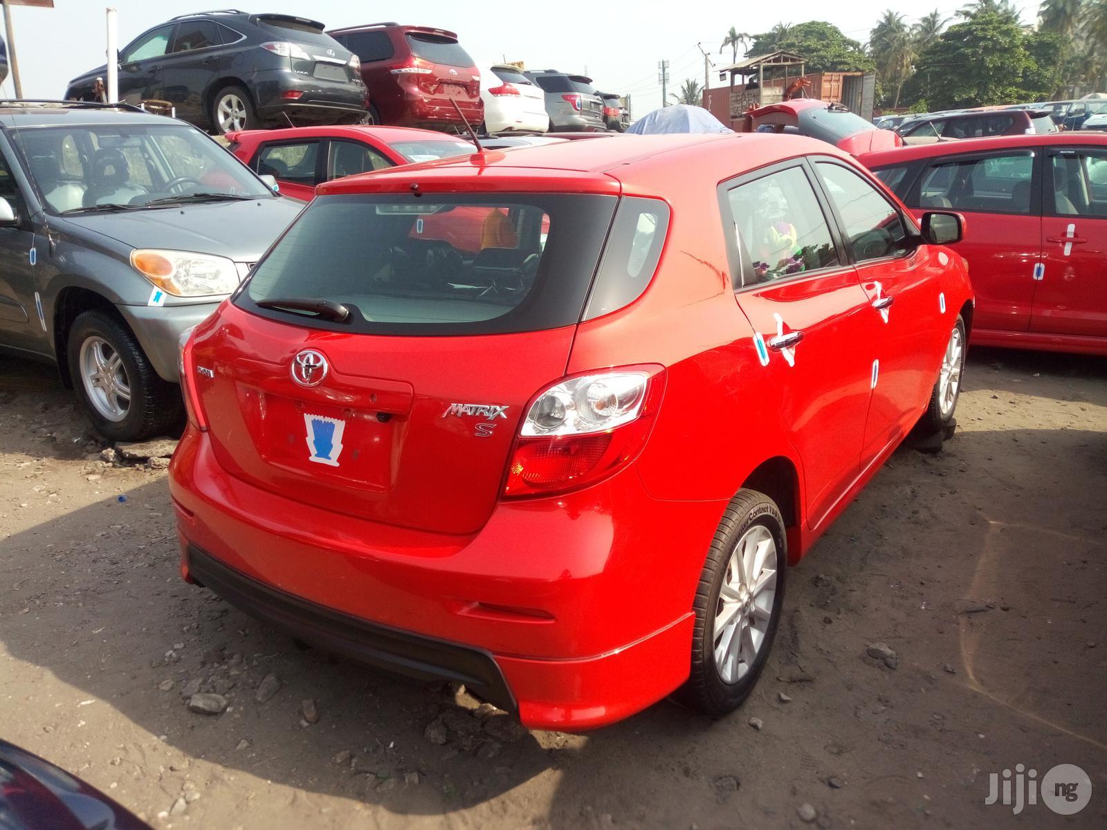 Archive: Toyota Matrix 2010 Red