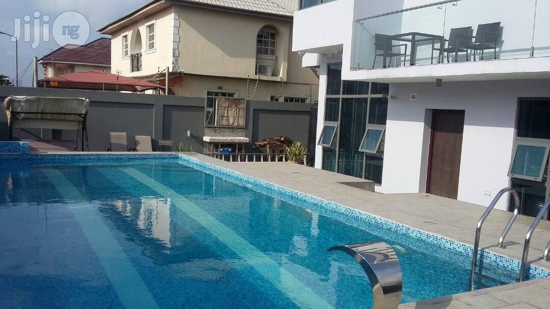 6 Bedrooms House (Mansion) 2 Rooms B/Q at VGC. Lekki. Lagos.