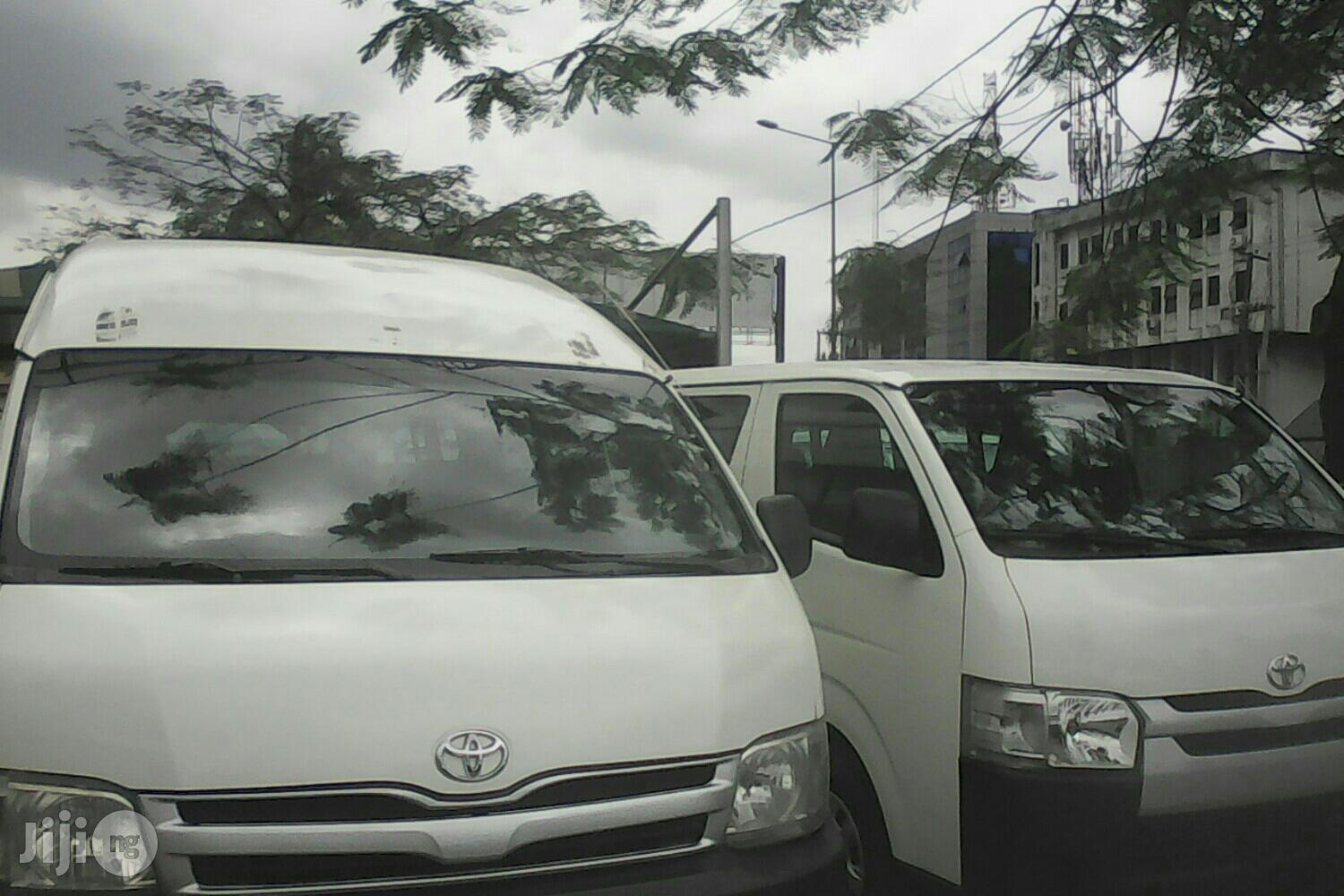 Hire Hilux, Hiace Bus And Coaster Bus