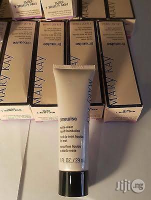 Mary Kay Time Wise Matte Wear Liquid Foundation Powder