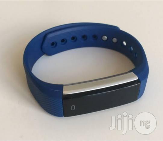 Archive: Bluetooth Fitness Tracker /Smart Watch(Black)
